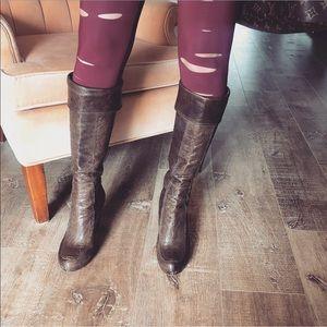Frye Liv Cuff Boots sz: 6